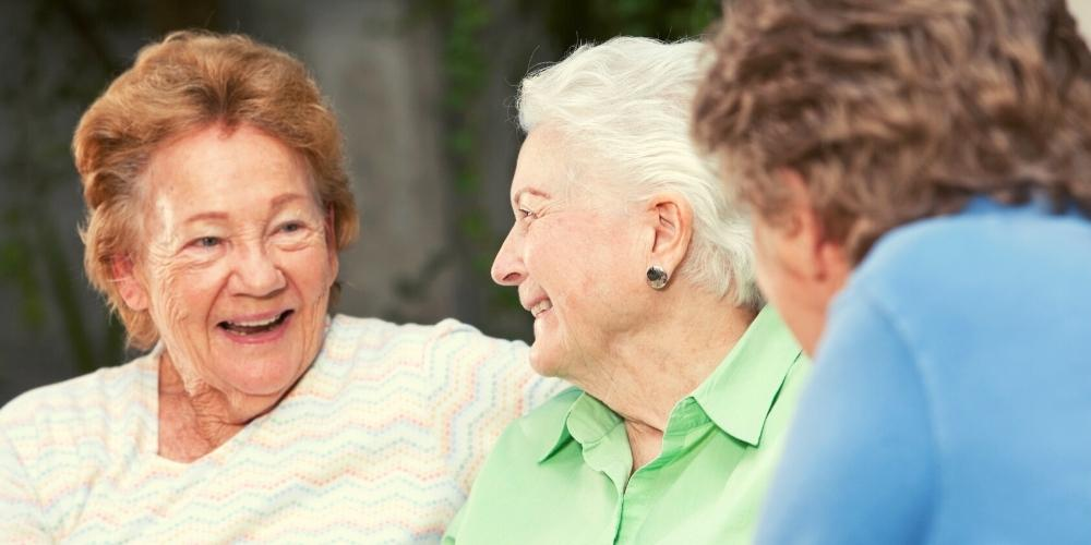 companionship-for-seniors-experiencing-outings